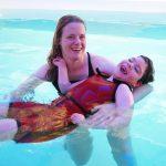 Silvia und ihre Tochter Sanja im Bewegungbad