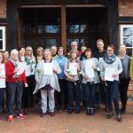 Löwenherz-Schulung 15 Teilnehmer*innen freuen sich über ihre Zertifikate